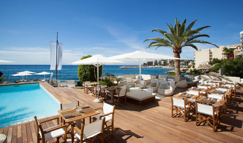 zhero beach club palma de mallorca restaurant pool seaview sunbeds. Black Bedroom Furniture Sets. Home Design Ideas